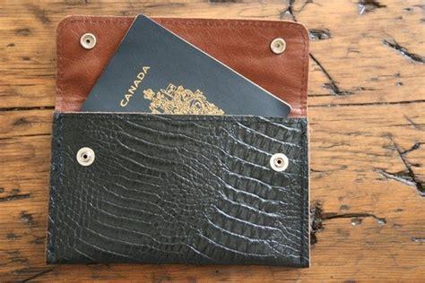 Tiptoethrough: 3rd Anniversary: Leather gift ideas