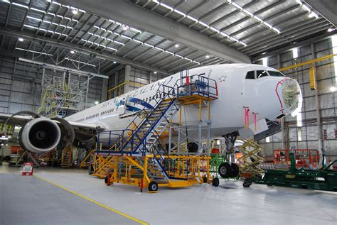 aircraft maintenance hangar air new zealand aviation institute new zealand asian