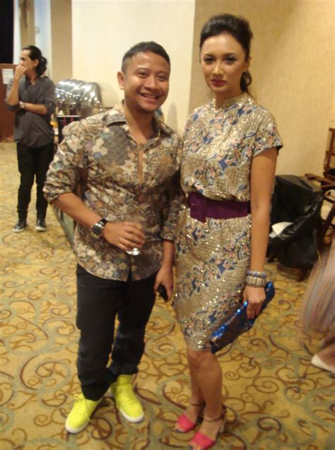 Fashion Show Batik Danar Hadi backstage images batik danar hadi 2011 fashion show saptodjojokartiko
