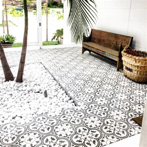 backyard floor tiles best 20 outdoor tiles ideas on pinterest