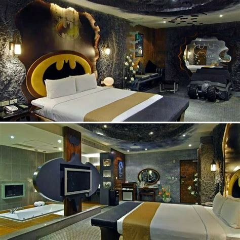 Batman Cabin Bed by Batman Themed Hotel Room In Taiwan Places I Want To Go