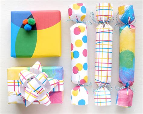 wrapping a gift printable gift wrapping paper fun gift wrapping ideas