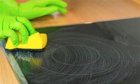 Wie Reinige Ich Meinen Backofen by Kochfeld Herd Richtig Reinigen Bewusst Haushalten