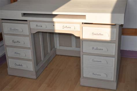 comment repeindre un bureau en bois comment peindre un bureau deco bureau blanc lepolyglotte