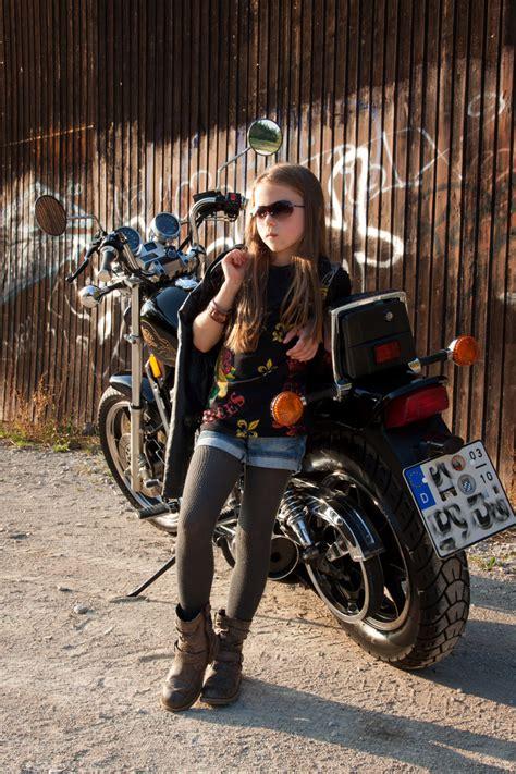 Motorrad Bilder Kinder by Motorrad Braut Foto Bild Kinder Portraits Portrait