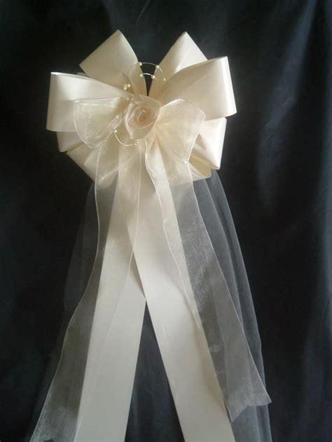 Best 25  Wedding pew bows ideas on Pinterest   Church pew