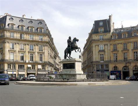 A Place About Place Des Victoires Parcours