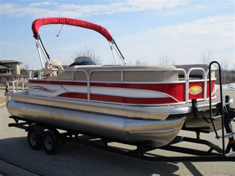 pontoon boat rental pewaukee lake pontoons on the move weekly monthly and long term