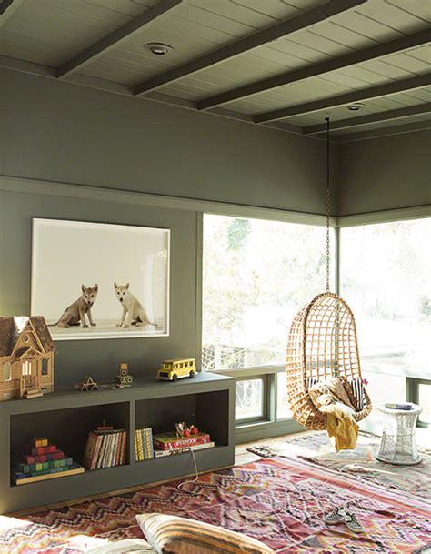 plafond chambre enfant un plafond et des murs kaki pour une chambre d enfant