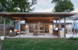 Backyard Barbecue Design Ideas Terrasse Couverte 30 Id 233 Es Sur L Auvent En Bois Et La
