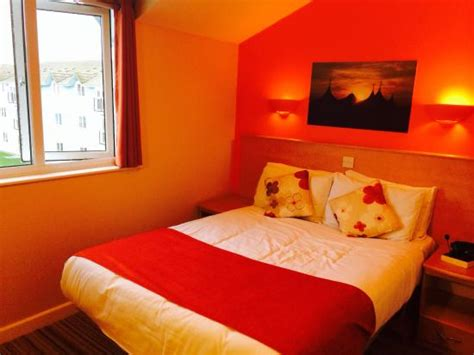 butlins skegness rooms gold apartment bedroom picture of butlins skegness resort ingoldmells tripadvisor