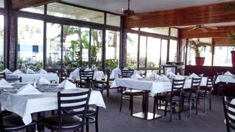 the island room cedar key crab goat cheese omlet with grits a mimosa yum picture of the island room restaurant at