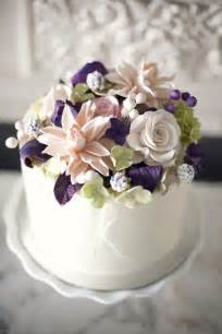 How To Make Sugar Roses For Cake Decorating by 25 Best Ideas About Flower Cakes On Floral