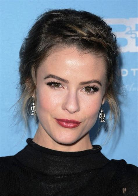 linsey godfrey haircut linsey godfrey hairstyles with twisted bangs