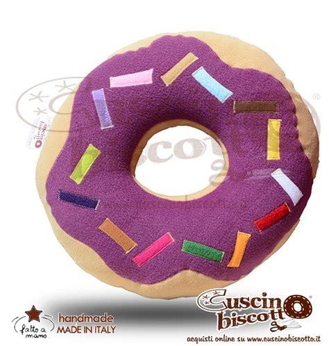 cuscino ciambella ciambella glassatat donuts vinaccia l arte decoro
