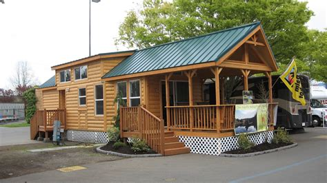 the cascade lodge manufactured home or mobile home from