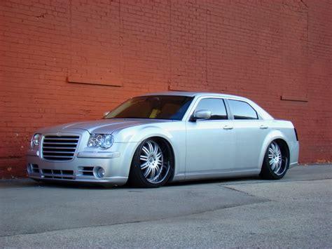 chrysler 300c tires chrysler 300c custom wheels kmc dimes 22x et tire size