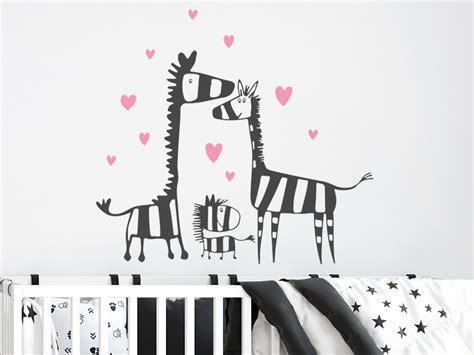 Wandtattoo Zebra Kinderzimmer by Wandtattoo Zebra Familie Mit Herzen F 252 Rs Kinderzimmer