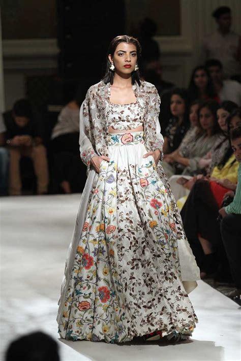Poki Blouse anamika khanna at india couture week 2016 vogue india