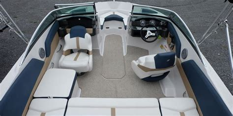 four winns boats kelowna 21 foot bow rider speed boat rental available in kelowna