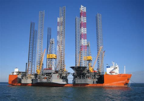 Dockwise Heavy Lift to Upgrade the Black Marlin with ... G Design Letter