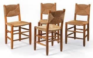 perriand ensemble de quatre chaises en bois