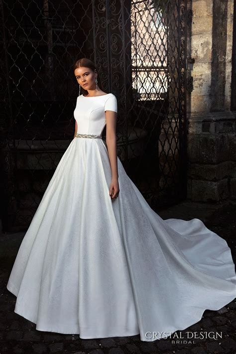 Best 25  Simple short sleeve wedding dress ideas on