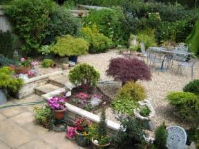 Garden Landscaping Ideas For Small Gardens Decorating Ideas For A Small Garden Garden Decoration
