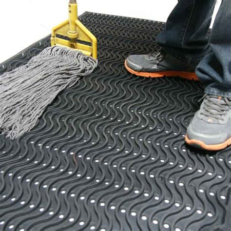 Rubber Mats For Equipment by Kitchen Rubber Mats 5 Restaurant Areas That Need Protection