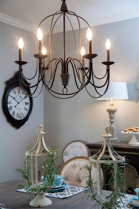 Joanna Gaines Dining Room Lighting A 1940s Vintage Fixer For Time Homebuyers