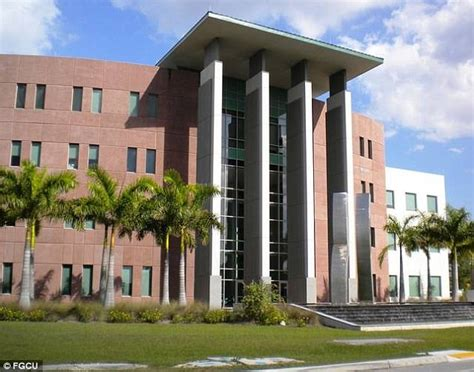 Uf Mba Tuition by Florida S White Racism Course Sparks Debate