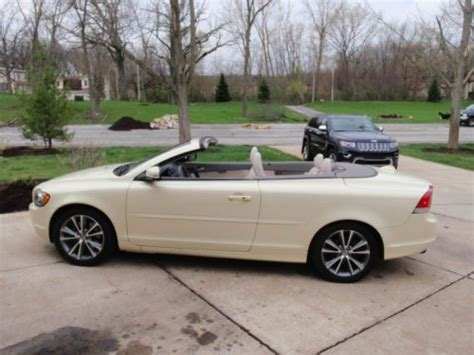 buy  volvo  hardtop convertible  vanilla pearlescent  cedar lake indiana united