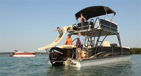 pontoon boat stuff 13 best luxury pontoon boats images on pinterest luxury