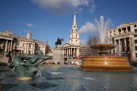 trafalgar square     trafalgar square london