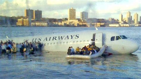 Miracle Landing On The Hudson Manhattan Ny Sightseeing Miracle On The Hudson Spot For 26