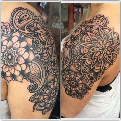 tattoo mandala vrouw best 25 paisley tattoo sleeve ideas on pinterest