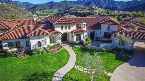 Britneys Real Estate Woes by Lists Southern California Mansion