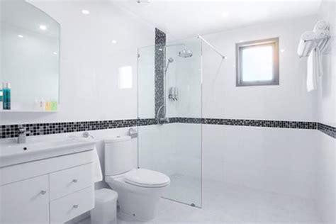 bodengleiche dusche wasser läuft aus ebenerdige dusche einbauen selbst de