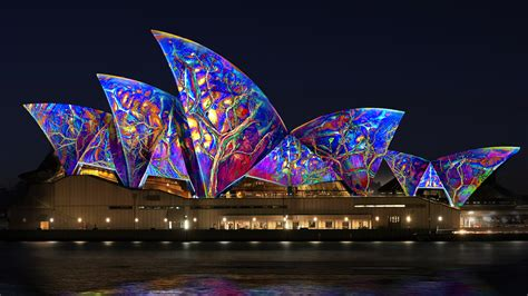 lighting the sails for vivid live sydney