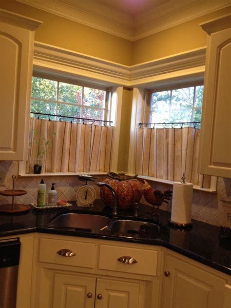 Curtains Corner Windows Ideas Caf 233 Curtains For Kitchen Corner Window Window Treatments New Houses Crowns And