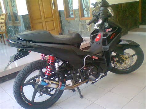 Footstep Belakang Honda Absolute Revo modifikasi motor absolute revo racing look black