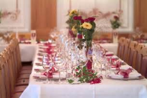 Tropical flower centerpiece ideas for your wedding table decorations