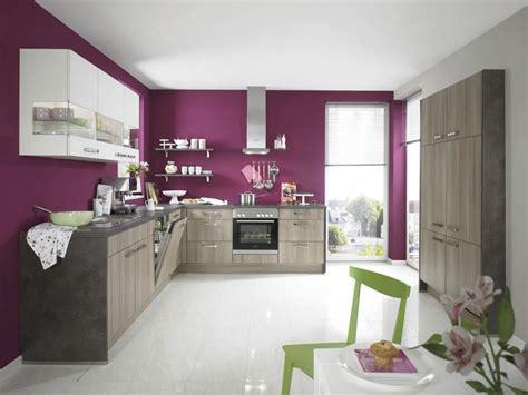 wandfarbe aubergine welche farbe f 252 r k 252 che 85 ideen f 252 r fronten und wandfarbe