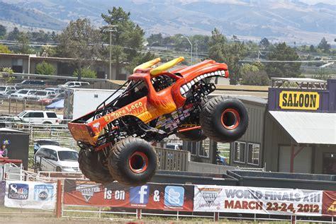 el toro loco monster truck videos monster trucks el toro loco wallpaper images