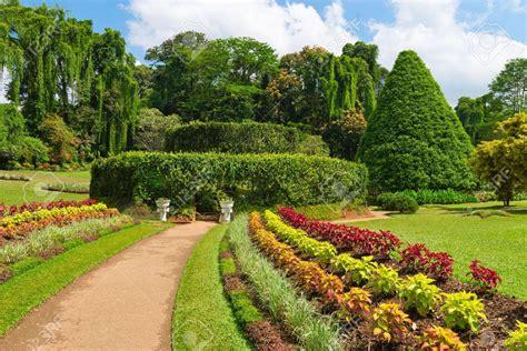 Kandy Botanical Garden Lanka4me Holidays In Sri Lanka Tours Accommodation Visiting Kandy In Sri Lanka Holidays