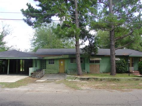 houses for sale in hattiesburg ms 1105 dewey st hattiesburg mississippi 39401 foreclosed