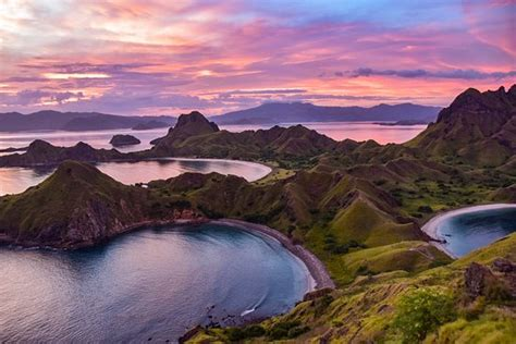 sunset  padar island picture  komodo dive center