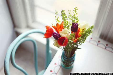 flowers on table 10 things a florist won t tell you huffpost