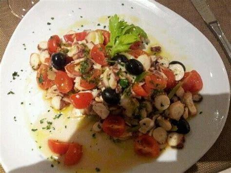 insalata di polpo e sedano insalata di polpo con pomodori pachino olive nere e