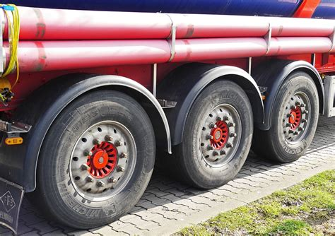 Truck Repair Cost by 3 Semi Truck Maintenance Tips To Reduce Tire Costs Aaron